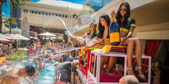 Pool Season Is Here: Encore Beach Club Has Officially Opened!